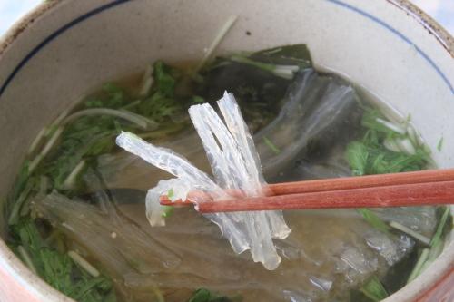 糸寒天をお味噌汁にいれると美味しい。