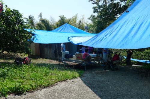テントで木陰を作る