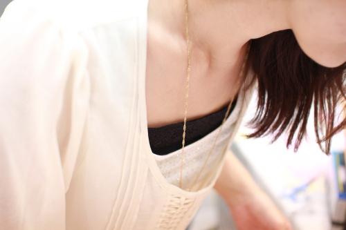 胸元ラインカバー