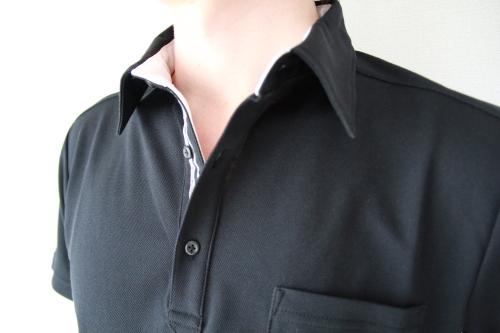 漆黒の黒ポロシャツ