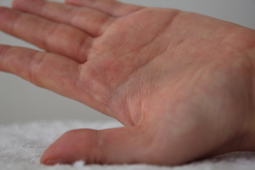 ヘアカラートリートメント実際爪などに入ったりした手を洗った