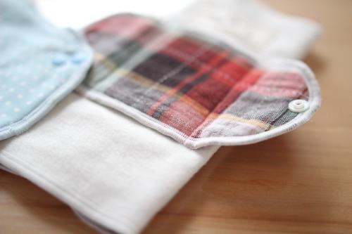 プレーンタイプのメイン素材は、綿100%のネルを使用