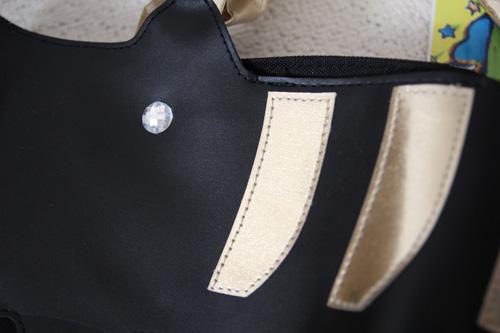 tsumori_chisatoネコモチーフのトートバッグ目としましま