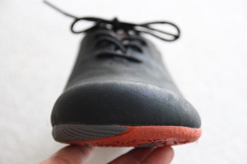 フラットな靴底