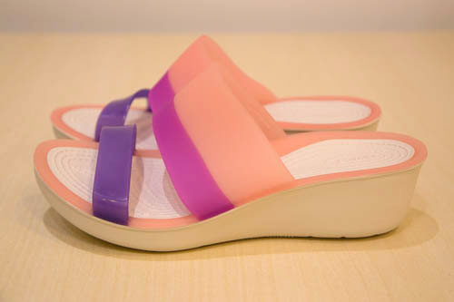 crocs-colorblock-wedge-10