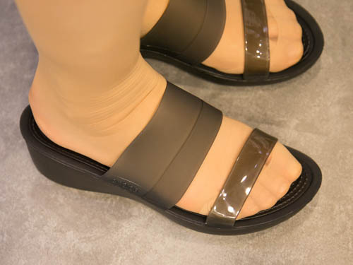 crocs-colorblock-wedge-4