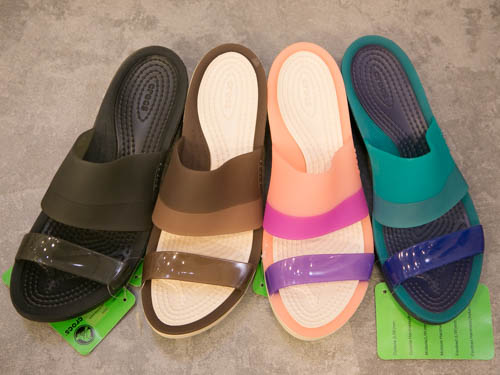 crocs-colorblock-wedge-8