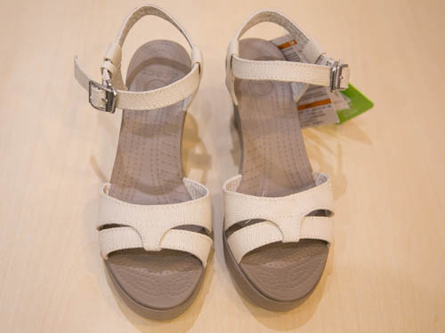 crocs-leigh-sandal-wedge-11