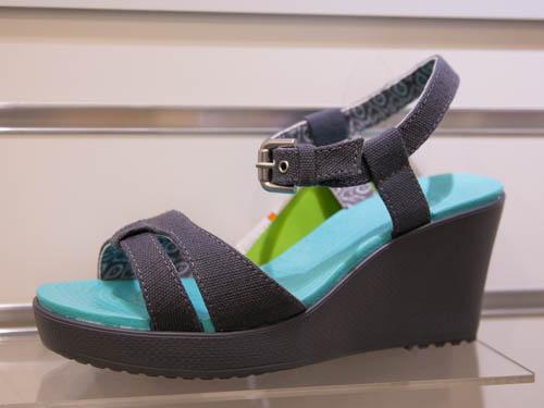 crocs-leigh-sandal-wedge-5