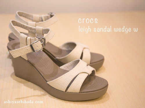 crocs-leigh-sandal-wedge-6