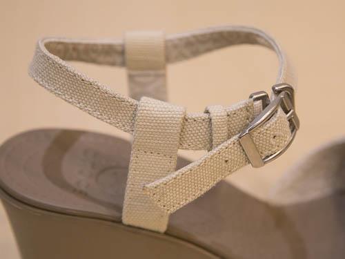 crocs-leigh-sandal-wedge-9