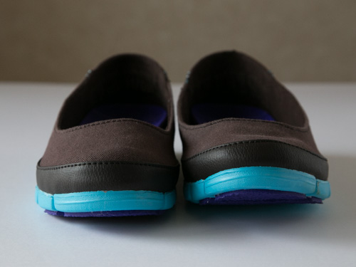 crocs-stretch-sole-flat-10