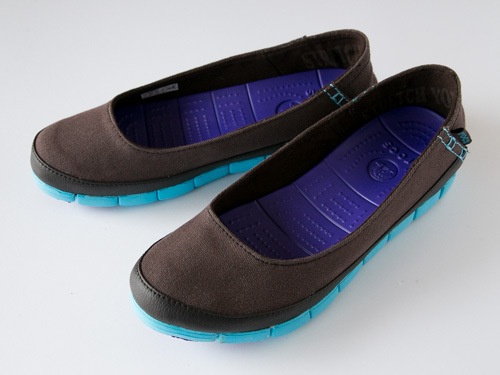 crocs-stretch-sole-flat-3
