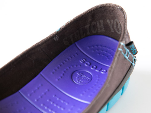 crocs-stretch-sole-flat-9