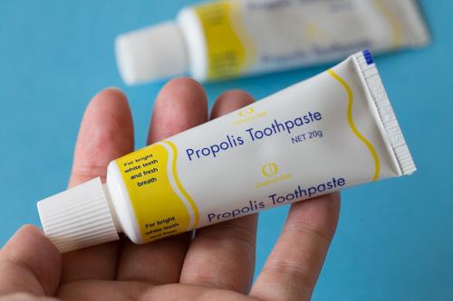 propolis-toothpaste-2
