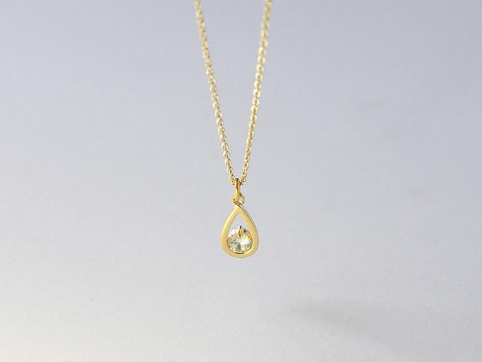 drop-zirconia-necklace-4