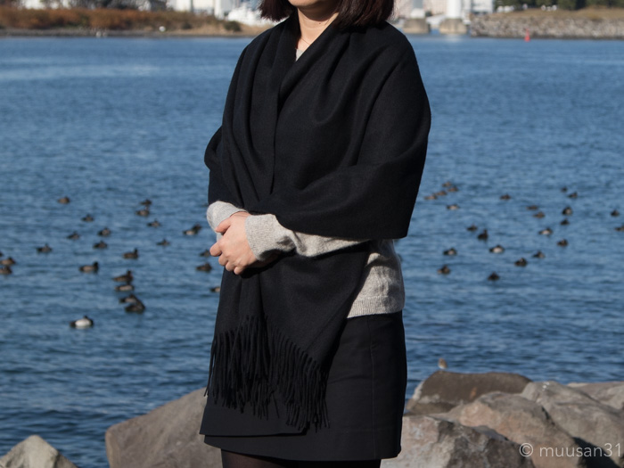 カシミヤ大判ストールを楽天で購入、実際に羽織ってみた